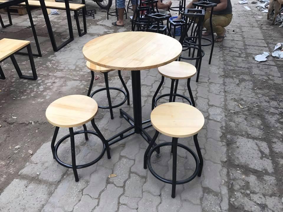 bàn ghế cafe gỗ khung sắt thanh lý