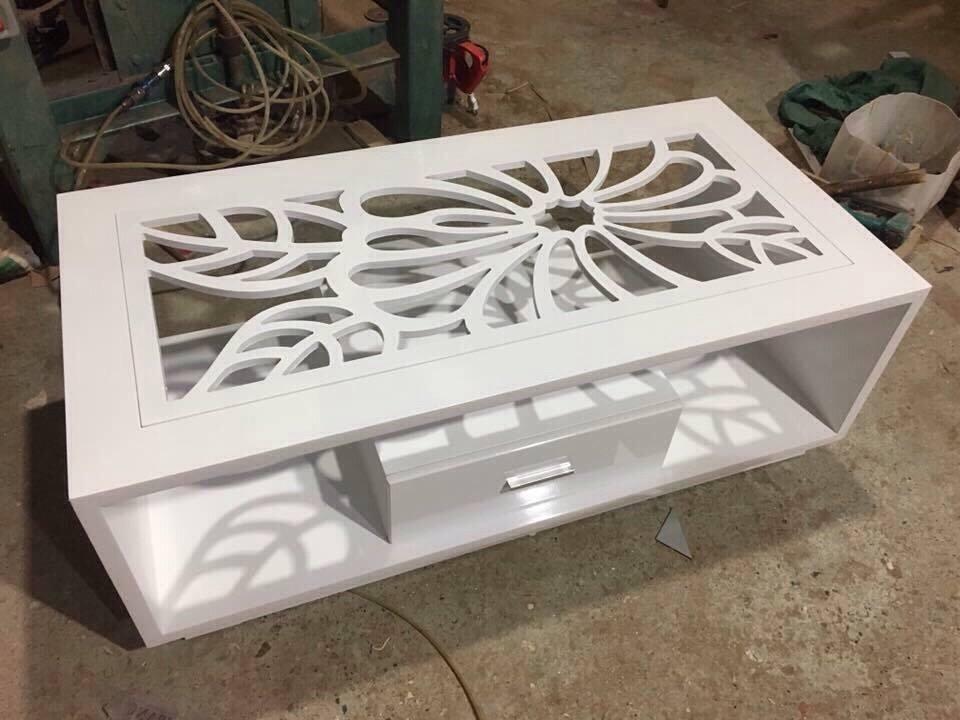 bàn kính sofa mặt hoa