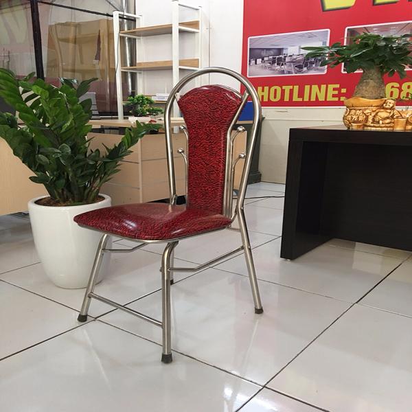 ghế gấp lưng dài màu đỏ