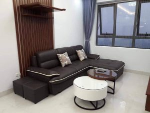 Sofa góc da chữ L  là dòng sofa da góc chữ L dùng cho gia đình, được làm từ chất liệu da công nghiệp cao cấp kết hợp khung gỗ tự nhiên đã qua tẩm sấy chống được mối mọt. Phần lưng sofa có thiết kế kiểu gật gù tựa đầu giúp bạn thư giãn sau thời gian dài làm việc. Cùng tìm hiểu về sản phẩm này nào.