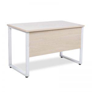 Bàn làm việc chữ U yếm chân sắt BCS-04 được thiết kế sang trọng với vách ngăn tiện lợi cho việc làm việc. Mặt bàn phủ Melamine giúp chống trầy xước và ẩm mốc, bóng đẹp theo thời gian. Màu trắng giúp bàn thêm phần hiện đại.