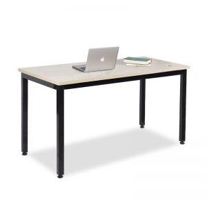 Bàn làm việc chân sắt độc lập màu đen mặt dày 1.8mm. Bàn có thiết kế dạng thẳng với mặt bàn nhẵn bóng. Khung bàn được làm từ khung sắt hộp dày 1.2mm phun sơn tĩnh điện