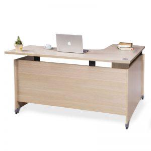 Bàn làm việc giá rẻ chữ L fami không hộc được làm bằng chất liệu gỗ công nghiệp cao cấp. Trên mặt bàn được phủ một lớp Melamine chống trầy xước tốt, ẩm mốc